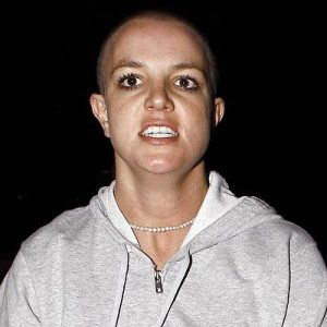 britney-spears-shaved-head-701550